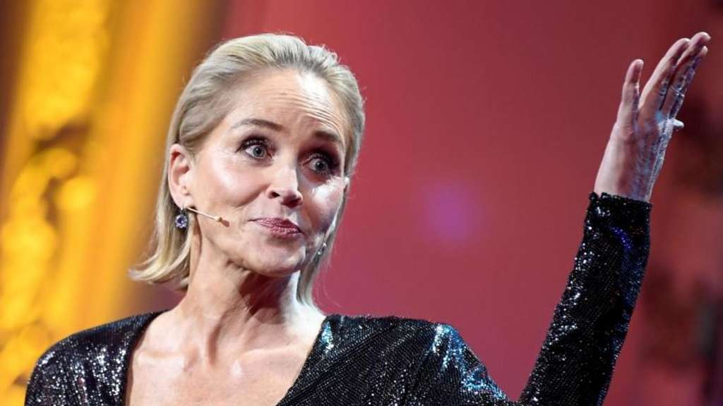"Sharon Stone bei der Preisverleihung des ""GQ Men of the Year Awards 2019"". Foto: Britta Pedersen/dpa-Zentralbild/dpa"